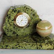 Часы классические ручной работы. Ярмарка Мастеров - ручная работа Часы из змеевика и оникса. Handmade.