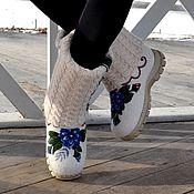 Обувь ручной работы. Ярмарка Мастеров - ручная работа Валенки ручной работы в комплекте со снудом и брошью Лакомка. Handmade.