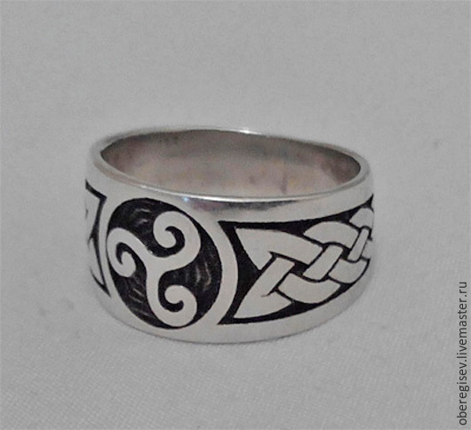 Кольцо `Трискеле` из серебра с чернением 6-7гр. 1300руб.- Под заказ (5дней).