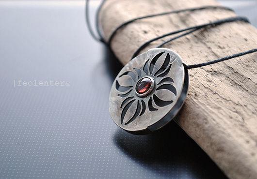 Кулоны, подвески ручной работы. Ярмарка Мастеров - ручная работа. Купить Djelem - серебряный кулон с гранатом (серебро 925). Handmade.