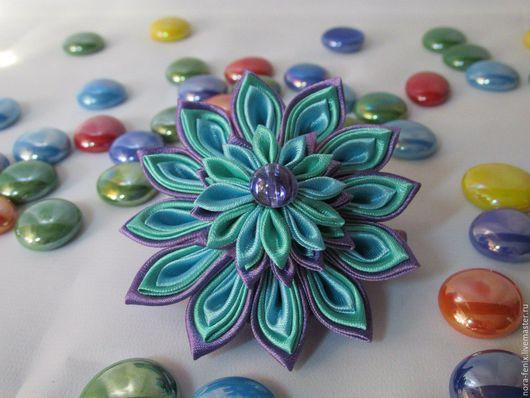 Заколки ручной работы. Ярмарка Мастеров - ручная работа. Купить Цветы-заколки для волос в стиле канзаши. Handmade. Разноцветный, зеленый