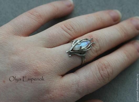 """Кольца ручной работы. Ярмарка Мастеров - ручная работа. Купить Серебряное кольцо """"Ice shard"""". Handmade. Белый"""