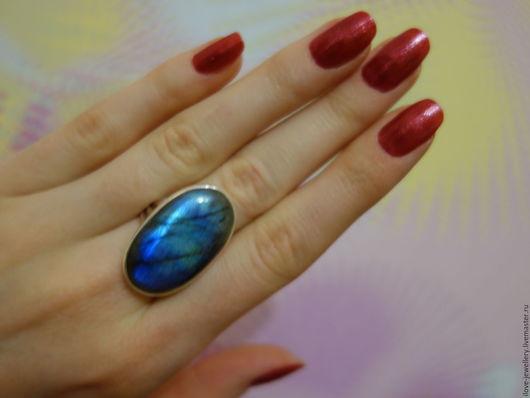 """Кольца ручной работы. Ярмарка Мастеров - ручная работа. Купить """"Махавир""""- серебряное кольцо с крупным лабрадоритом. Handmade. Синий"""