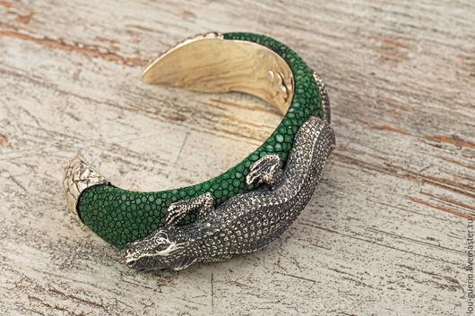 """Браслеты ручной работы. Ярмарка Мастеров - ручная работа. Купить Браслет """"Крокодил"""". Handmade. Тёмно-зелёный, крокодил, подарок на новый год"""