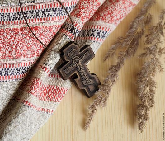 `Коломна` - деревянный нательный крест-распятие. Деревянный крест. Деревянный крестик. Крест из дерева. Крестик из дерева.