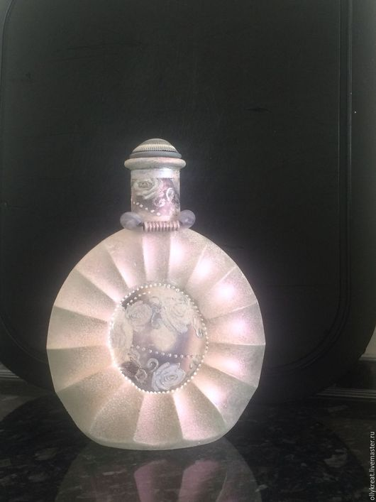 Декоративная посуда ручной работы. Ярмарка Мастеров - ручная работа. Купить Декоративная бутылка Изысканность и шарм. Handmade. Белый, стекло