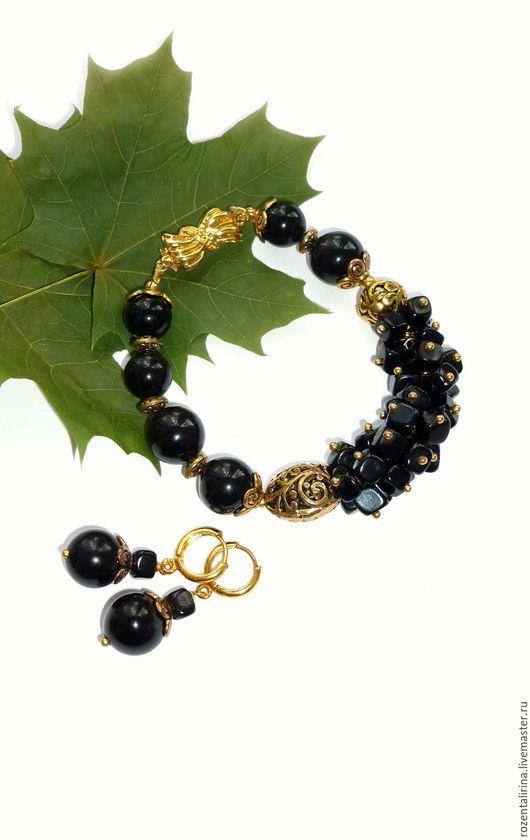 Браслет  выполнен из натурального чёрного агата и качественной металлической фурнитуры цвета  античного золота.  Серьги в ПОДАРОК!