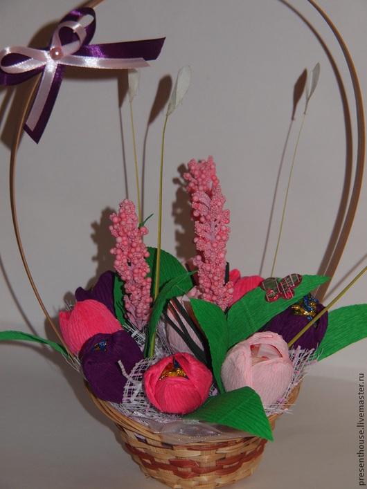 """Букеты ручной работы. Ярмарка Мастеров - ручная работа. Купить Букет """"Тюльпаны"""". Handmade. Разноцветный, букет в корзине"""