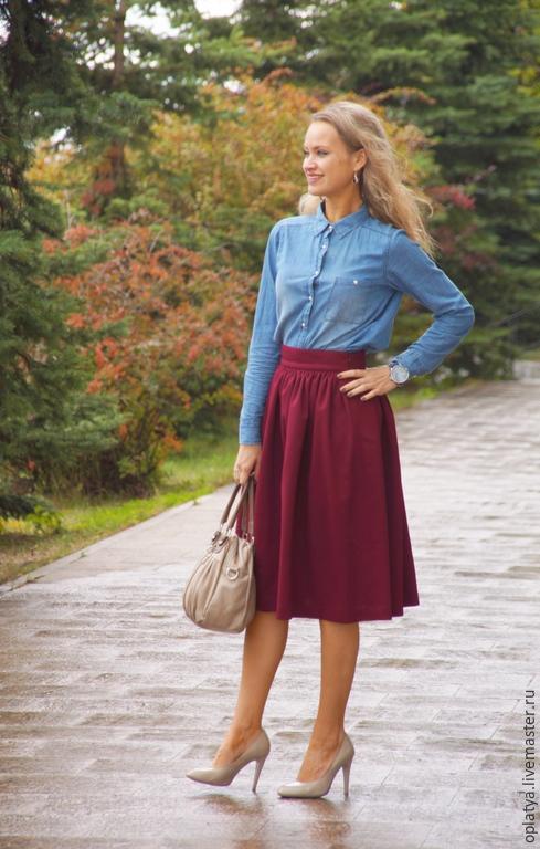 Бордовая юбка на осень