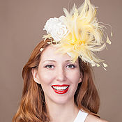 Свадебный салон ручной работы. Ярмарка Мастеров - ручная работа Шляпка  таблетка. Шляпка с желтыми перьями.. Handmade.