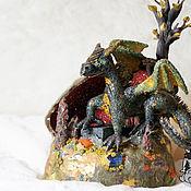 Дракон Хронарис в пещере с сокровищами