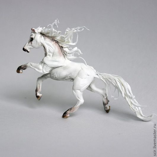 """Статуэтки ручной работы. Ярмарка Мастеров - ручная работа. Купить фигурка """"Белая лошадь (аллюр: галоп)"""". Handmade. Лошадь"""
