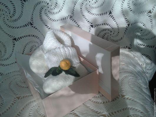 """Детская обувь ручной работы. Ярмарка Мастеров - ручная работа. Купить Валяные пинетки """"Мандаринки"""". Handmade. Белый, белые пинетки"""