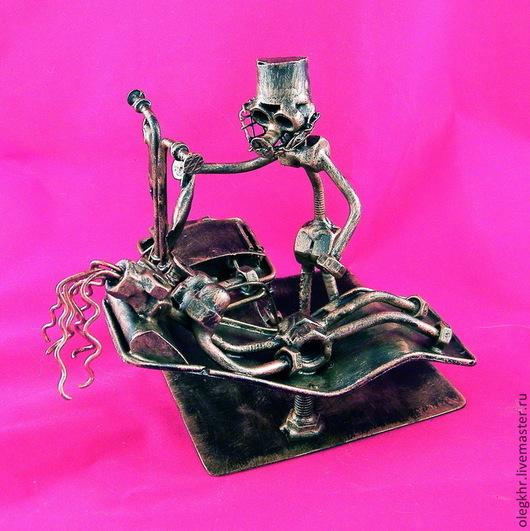 Миниатюрные модели ручной работы. Ярмарка Мастеров - ручная работа. Купить Врач-Трансфузиолог. Handmade. Скульптурная миниатюра, сувенир из гаек