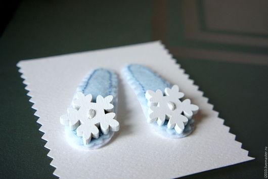 Детская бижутерия ручной работы. Ярмарка Мастеров - ручная работа. Купить Заколки для волос Снежинки на льду. Handmade. Голубой, мулине