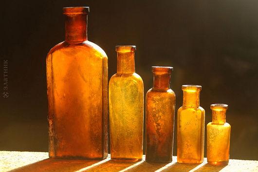 Набор старинных бутылочек 19 в. Старинные аптечные бутылочки