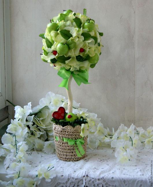 """Топиарии ручной работы. Ярмарка Мастеров - ручная работа. Купить Топиарий """"Яблочное настроение"""". Handmade. Салатовый, европейское дерево"""
