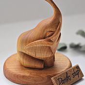 """Статуэтки ручной работы. Ярмарка Мастеров - ручная работа Деревянная фигурка слона """"Дамбо"""" (держатель для колец). Handmade."""
