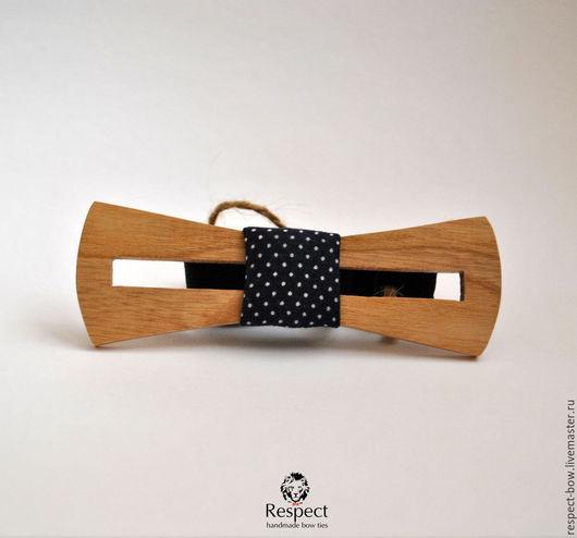 Галстуки, бабочки ручной работы. Ярмарка Мастеров - ручная работа. Купить Деревянная галстук бабочка Перфекто из дуба / темно-синяя в горох. Handmade.