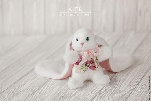Игрушки животные, ручной работы. Ярмарка Мастеров - ручная работа. Купить Рози белый кролик, мягкая игрушка из меха. Handmade.
