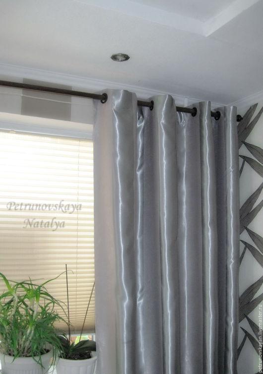 Штора в стиле `Лофт` на люверсах лаконично украсит интерьер вашей комнаты. Инновационная ткань Блэкаут ( blackout ) и люверсы предаёт изделию совершенство.