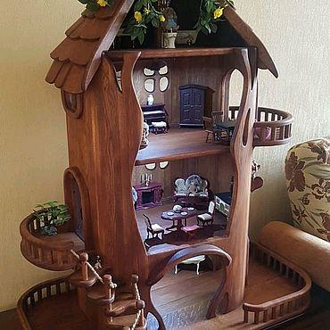 Куклы и игрушки ручной работы. Ярмарка Мастеров - ручная работа Кукольный домик из дуба для настоящих ценителей.. Handmade.