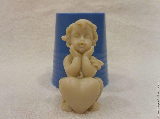"""Другие виды рукоделия ручной работы. Ярмарка Мастеров - ручная работа. Купить Силиконовая форма для мыла """"Ребёнок с сердцем"""". Handmade."""