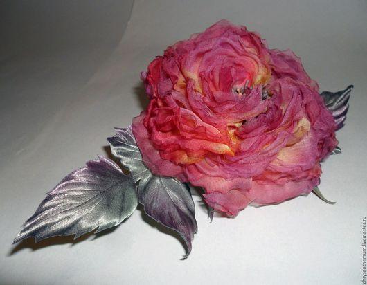 Броши ручной работы. Ярмарка Мастеров - ручная работа. Купить Брошь-роза из натурального жоржета Багряное вдохновение. Handmade.