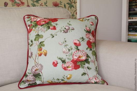 """Декоративная подушка из ткани Titley & Marr, Англия\r\n""""Букингемский дворец"""" - декоративные подушки, диванные подушки, эксклюзивные и премиальные английские ткани."""