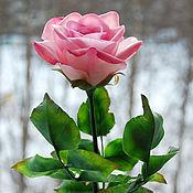 Цветы и флористика ручной работы. Ярмарка Мастеров - ручная работа Полноразмерная розовая роза из полимерной глины. Handmade.