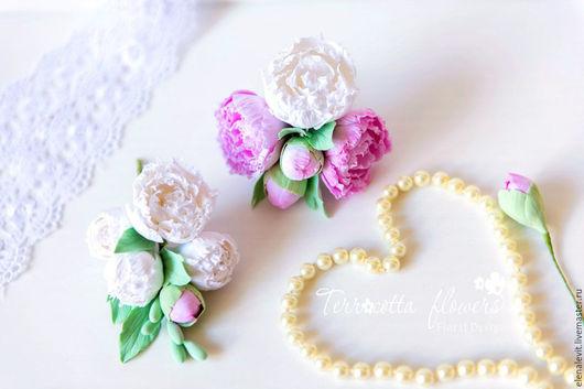 Комплект с пионами из полимерной глины. Terracotta flowers.