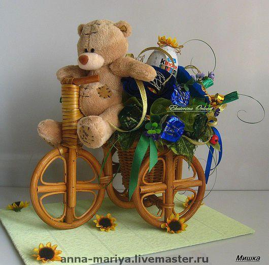 Кулинарные сувениры ручной работы. Ярмарка Мастеров - ручная работа. Купить Мишутка на велосипеде  (букет из конфет). Handmade. Подарки детям