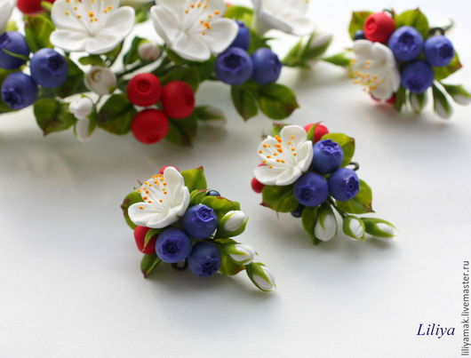 """Серьги ручной работы. Ярмарка Мастеров - ручная работа. Купить Серьги """"Ягодно-цветочные"""". Handmade. Разноцветный, черника, цветы в украшении"""