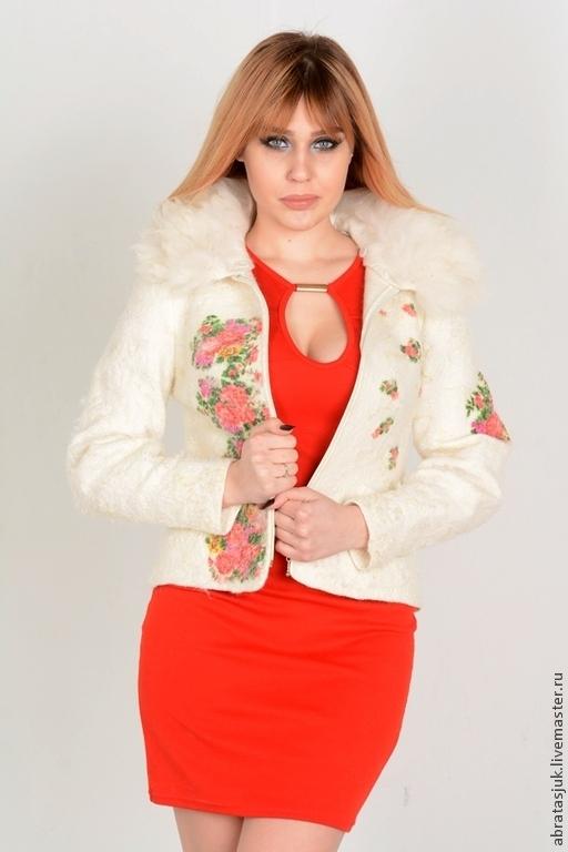"""Верхняя одежда ручной работы. Ярмарка Мастеров - ручная работа. Купить Куртка с воротником из альпаки """"Яркая зима"""". Handmade. Белый"""