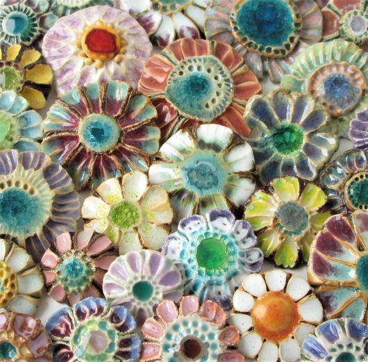 Броши ручной работы. Ярмарка Мастеров - ручная работа. Купить Цветы-цветочки, керамические броши. Handmade. Керамические украшения, маргаритки