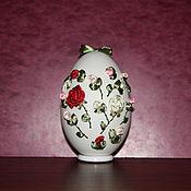 "Яйца ручной работы. Ярмарка Мастеров - ручная работа Вышивка лентами на яйце.  ""С любовью"". Handmade."