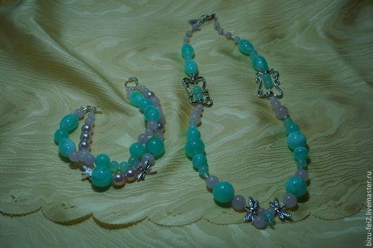 Комплект Жозефина. Украшение на шею, браслет и серьги из светло-зеленого опала и розового кварца