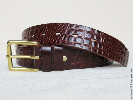 Пояса, ремни ручной работы. Ярмарка Мастеров - ручная работа. Купить Мужской кожаный ремень с тиснением под каймана. Handmade.