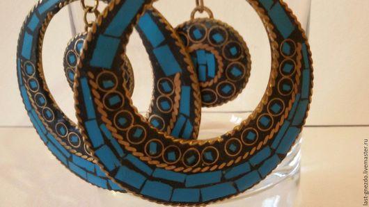 Серьги `Восток ` из металла,выполнены в технике мозайка.  Размер 5,5 x5 см  Цена 650 рублей