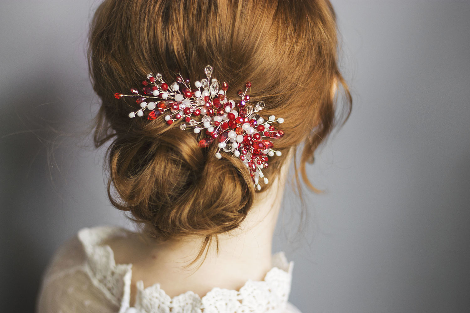 Red wedding sprig as a decoration in the bride's hairstyle, Hair Decoration, Novorossiysk,  Фото №1