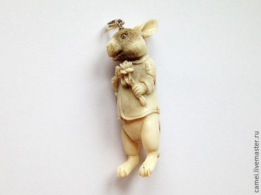 """Кулоны, подвески ручной работы. Ярмарка Мастеров - ручная работа. Купить Подвеска """"Кролик с цветами"""". Handmade. Кролик, серебро"""