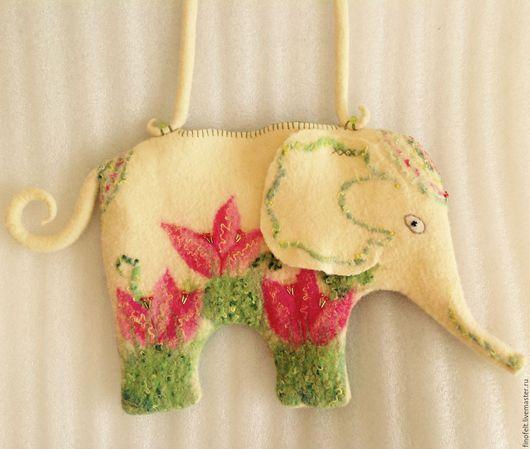Женские сумки ручной работы. Ярмарка Мастеров - ручная работа. Купить Войлочная сумочка Тюльпановый слоник. Handmade. Комбинированный, мулине