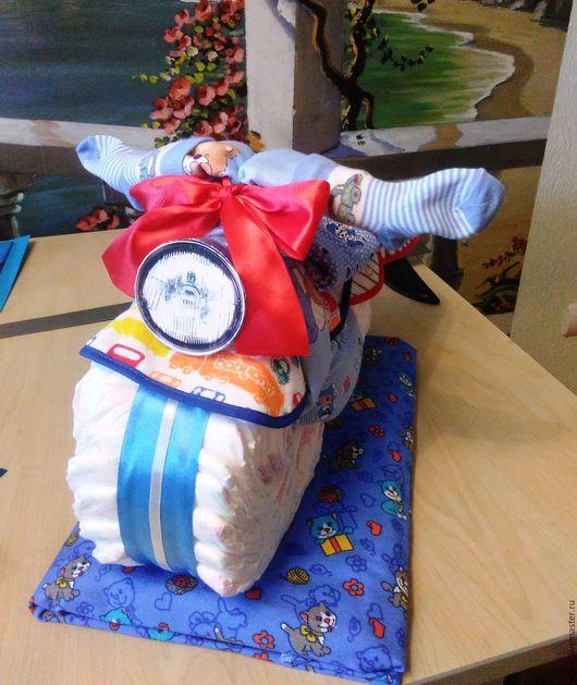 Подарки для новорожденных, ручной работы. Ярмарка Мастеров - ручная работа. Купить Мотоцикл из памперсов. Handmade. Подгузники, торт из памперсов, памперсы