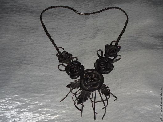 """Кулоны, подвески ручной работы. Ярмарка Мастеров - ручная работа. Купить Подвеска """"Розы"""". Handmade. Коричневый, украшение, кожа"""