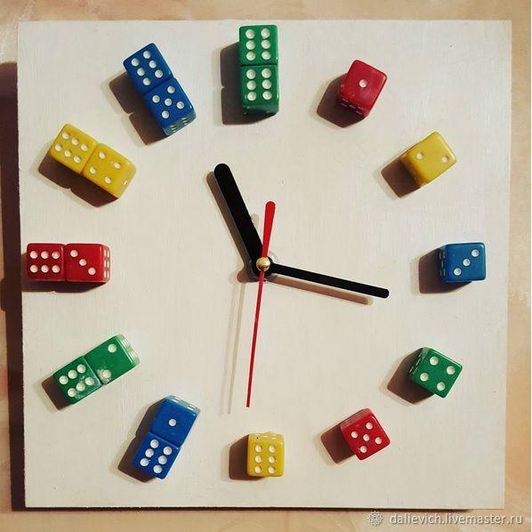 часы-картинка Игральные кубики