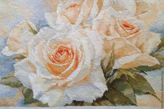Картины цветов ручной работы. Ярмарка Мастеров - ручная работа. Купить Белые розы. Handmade. Бежевый, Вышивка крестом, мулине