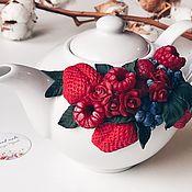 Чайники ручной работы. Ярмарка Мастеров - ручная работа Чайник с вкусным декором из полимерной глины ручной работы. Handmade.