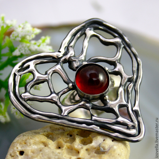 """Кольца ручной работы. Ярмарка Мастеров - ручная работа. Купить Кольцо """"Сердце красной розы"""" - гранат гессонит, серебро. Handmade."""