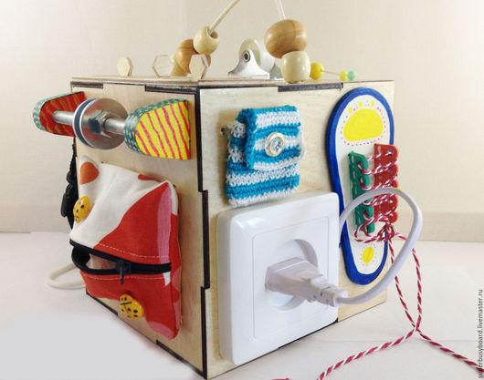 """Развивающие игрушки ручной работы. Ярмарка Мастеров - ручная работа. Купить Бизиборд """"МиниКуб"""". Handmade. Монтессори, развивашка, для малышей, комбинированный"""