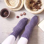 Аксессуары ручной работы. Ярмарка Мастеров - ручная работа Вязаные вручную шерстяные носки серо-фиолетового цвета. Handmade.